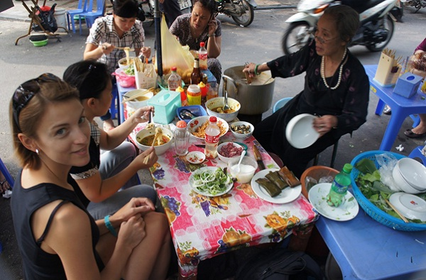 Enjoy street food in Vietnam