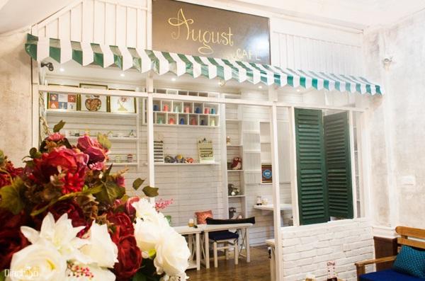 August café
