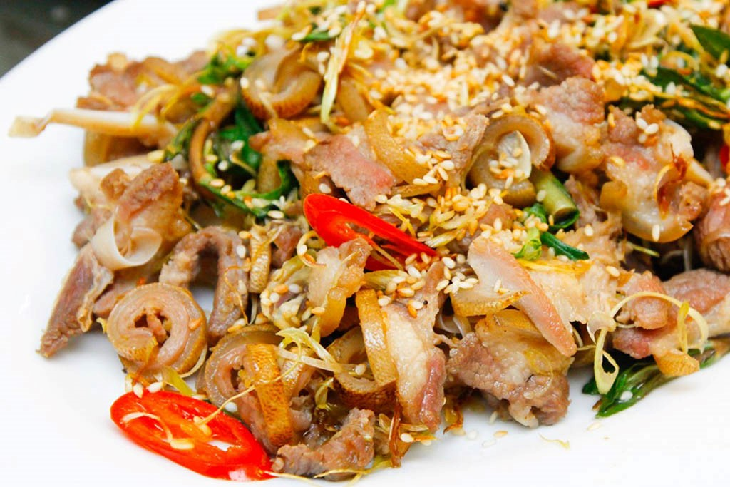 Fried goat meat- a specialty dish in Ninh Binh