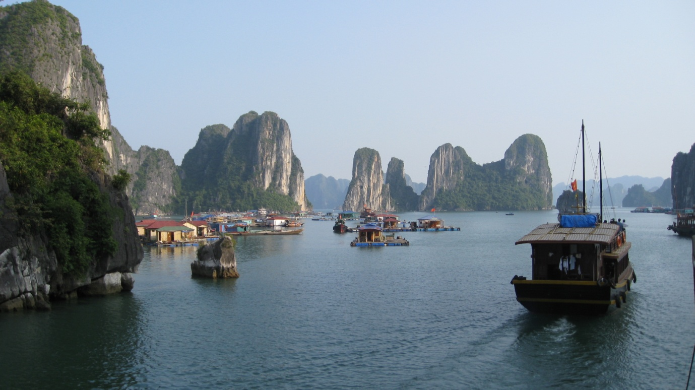 Excursion in Halong Bay