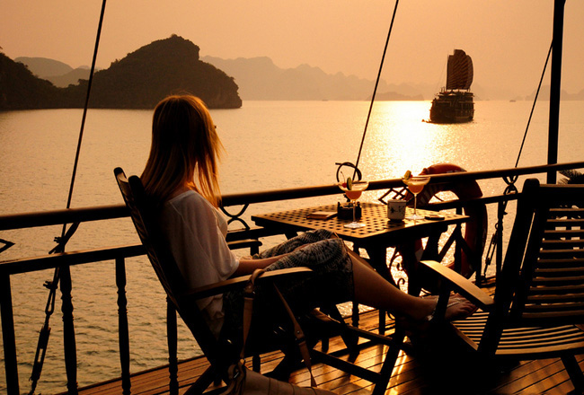 Nightlife in Halong