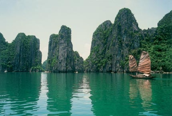 The beauty of Halong Bay - one of the seven natural world heritage site