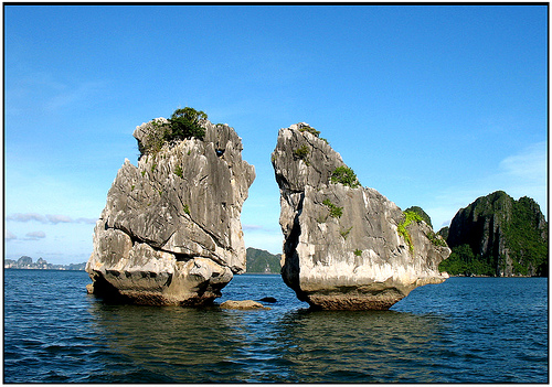 "The bigger islet is ""Trong"" means Cock, the smaller called ""Mai"", means ""Hen"
