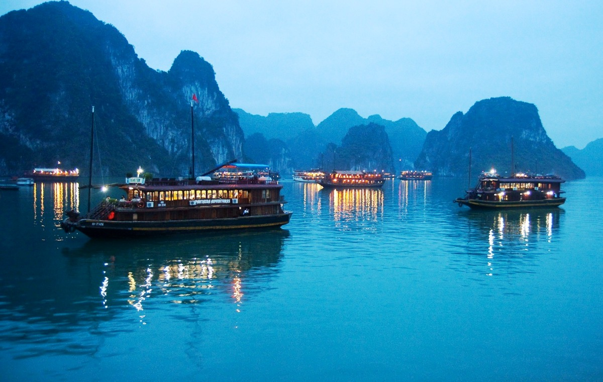 The misty beauty of Halong