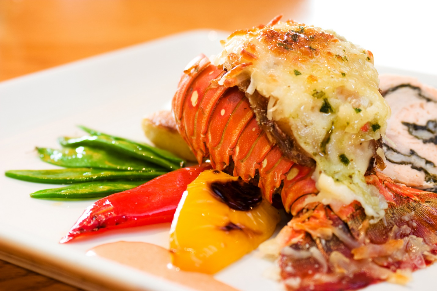 A delicious lobster is serving in a Halong's restaurant