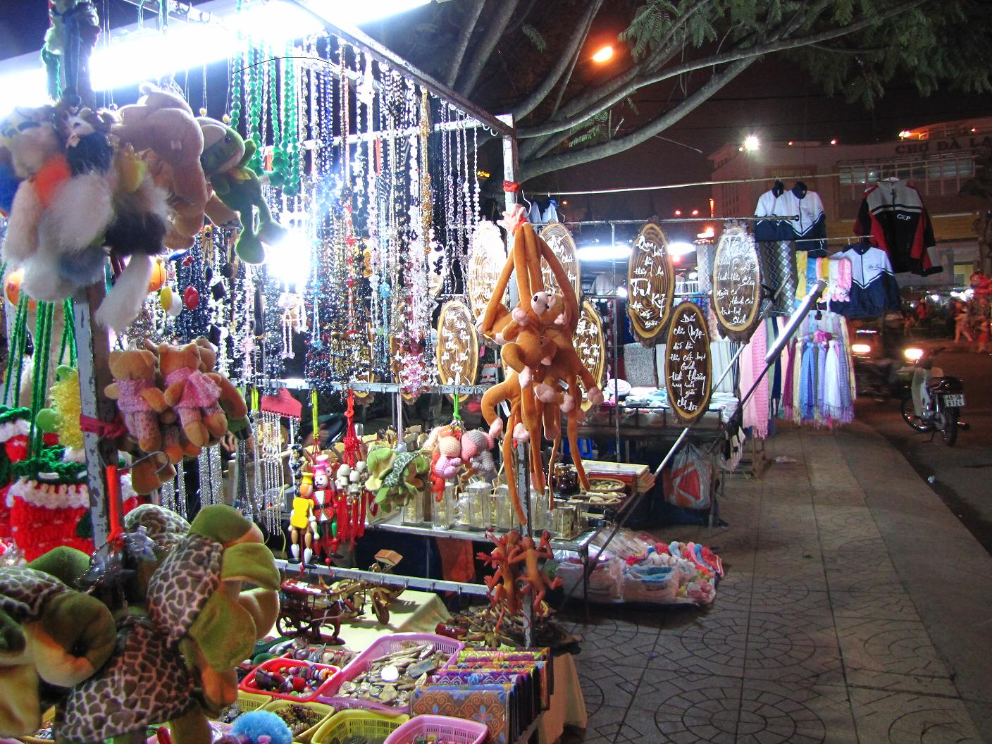 Some souvenirs which are sold in Halong night market
