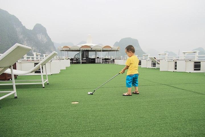 Children on sundeck Halong cruise