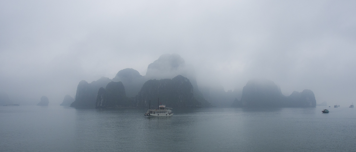 Foggy sky in early morning in Halong