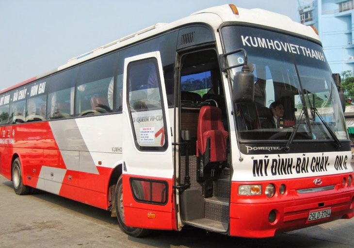 45-seat bus of Kumho Viet Thanh