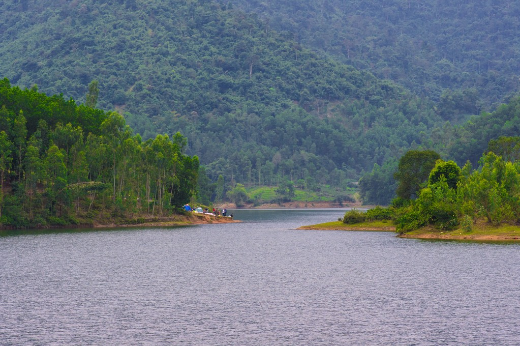 Nui Coc Lake is an ideal eco-tourism destination