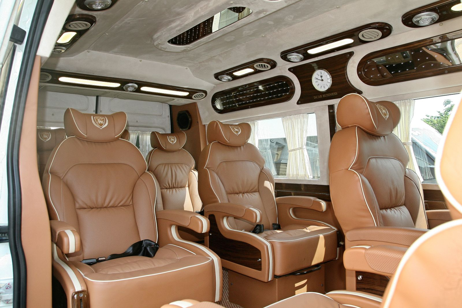 Private car to Halong Bay