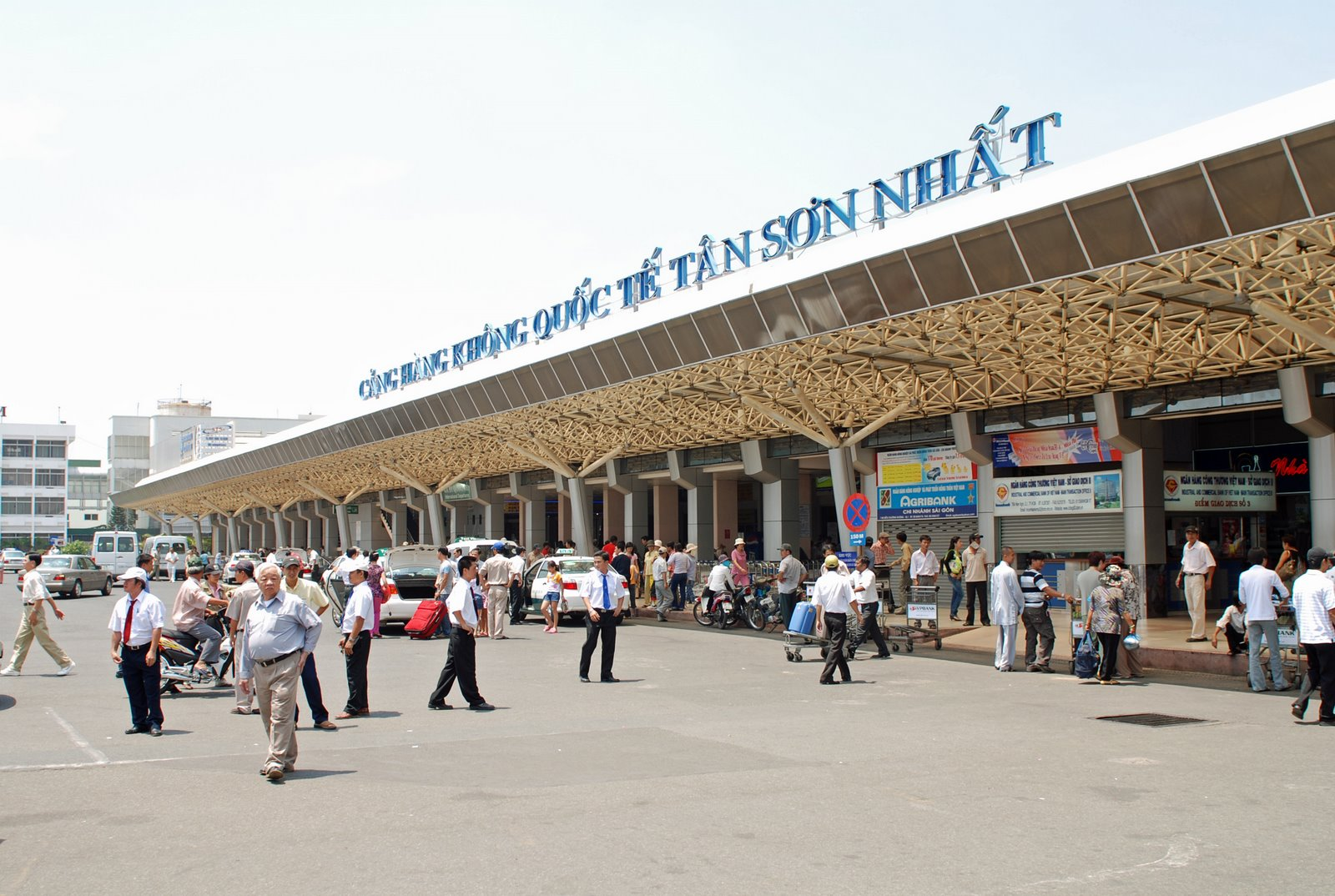 Tan Son Nhat international airport- where you depart from Ho Chi Minh city to Halong Bay