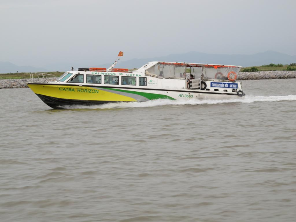 Hydrofoil to Cat Ba Island