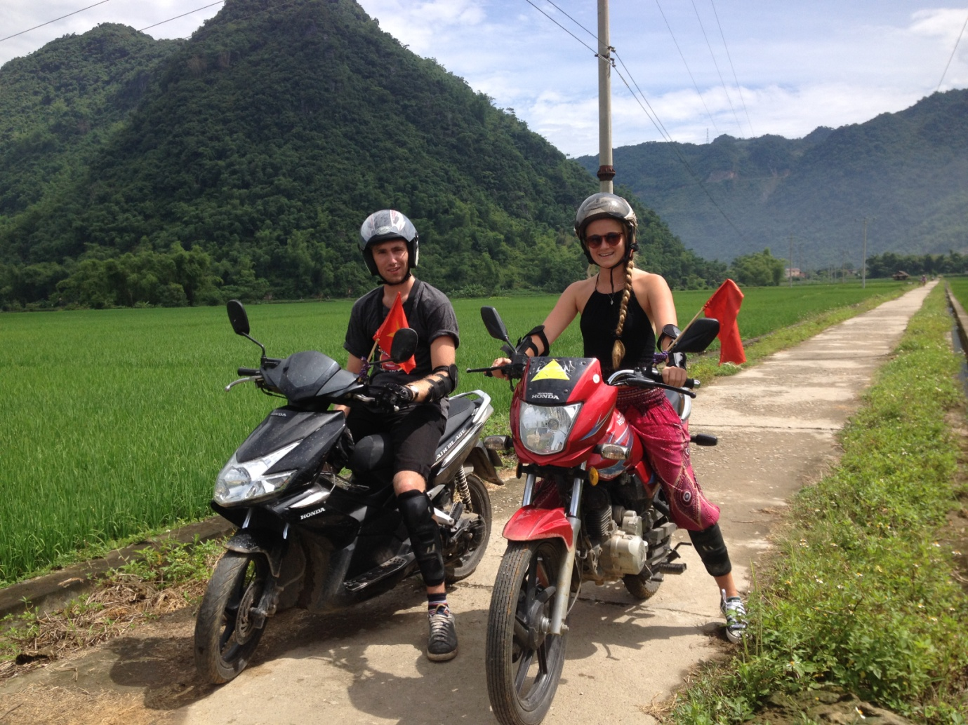 Motorbike-best way on amazing Hanoi-Halong road