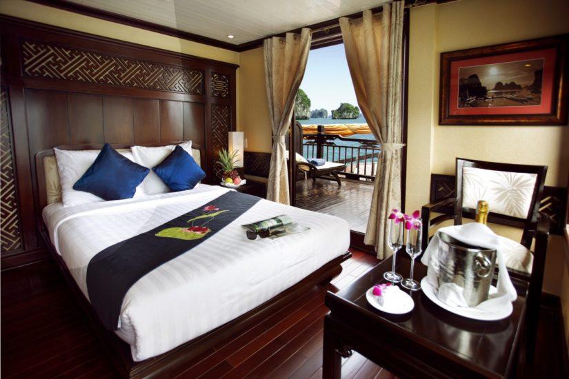 Paradise Cruise service