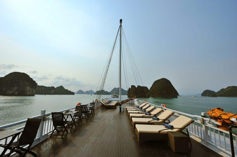 Paradise Cruise sundeck