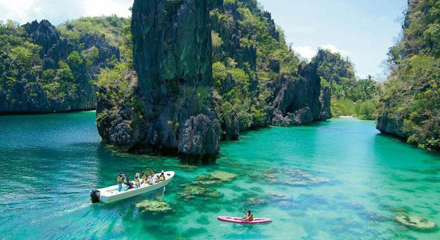 The reason why you should travel Halong in summer holidays