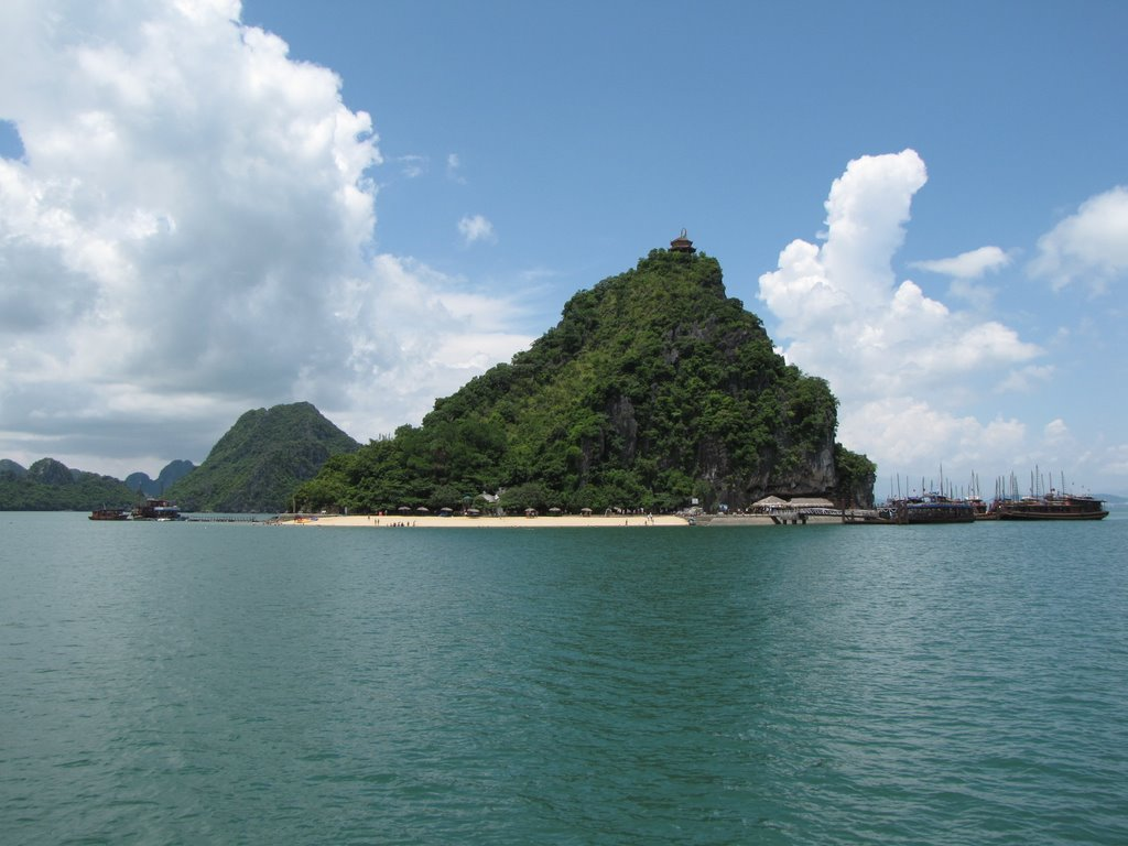Ti Top beautiful Beach in Halong Bay