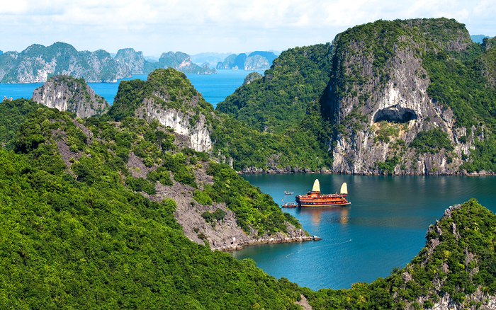 Where to stay in Halong city for interest