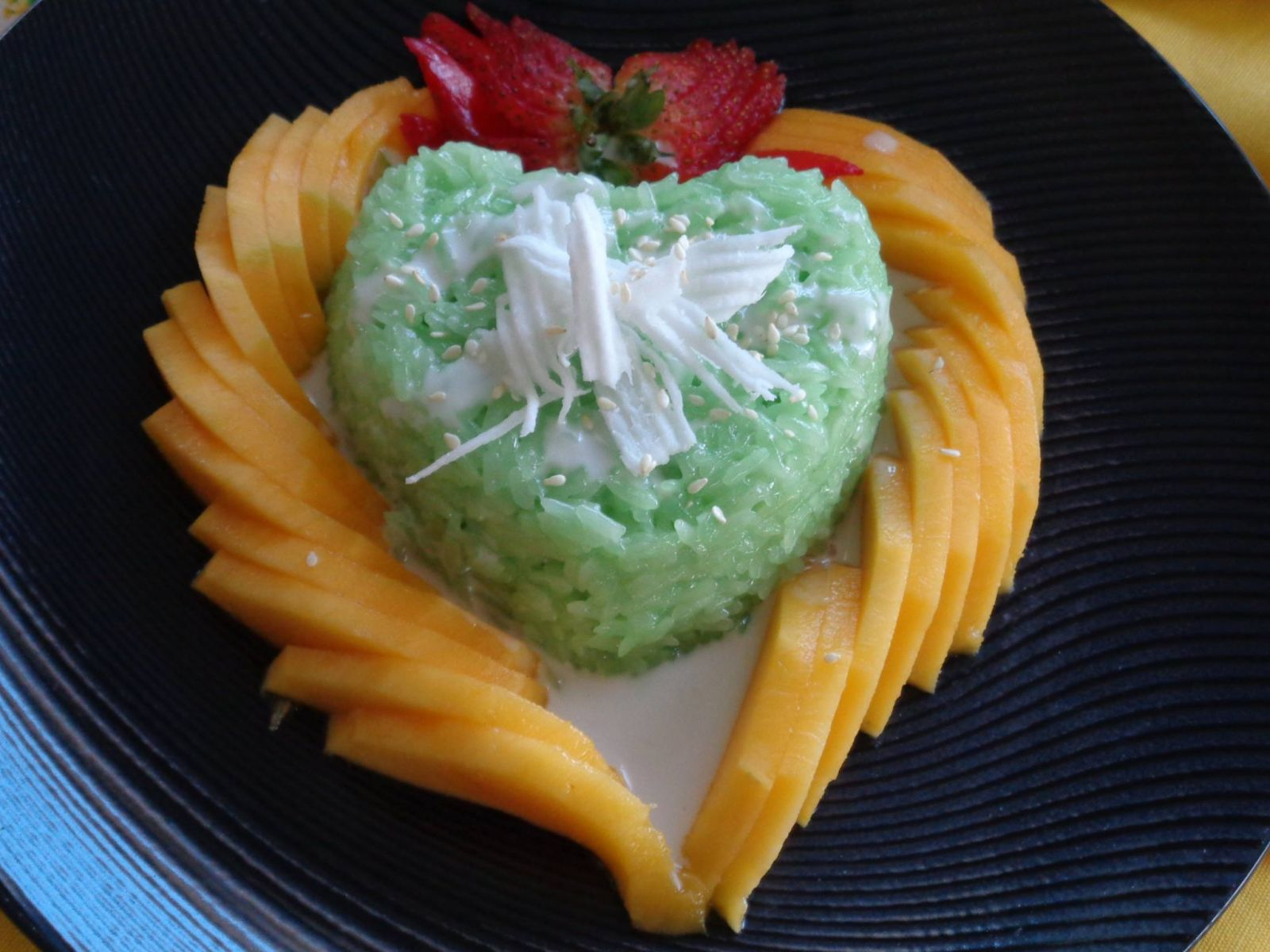 An attractive heart-shaped plate