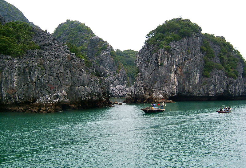 To make the most of your trip to Halong Bay