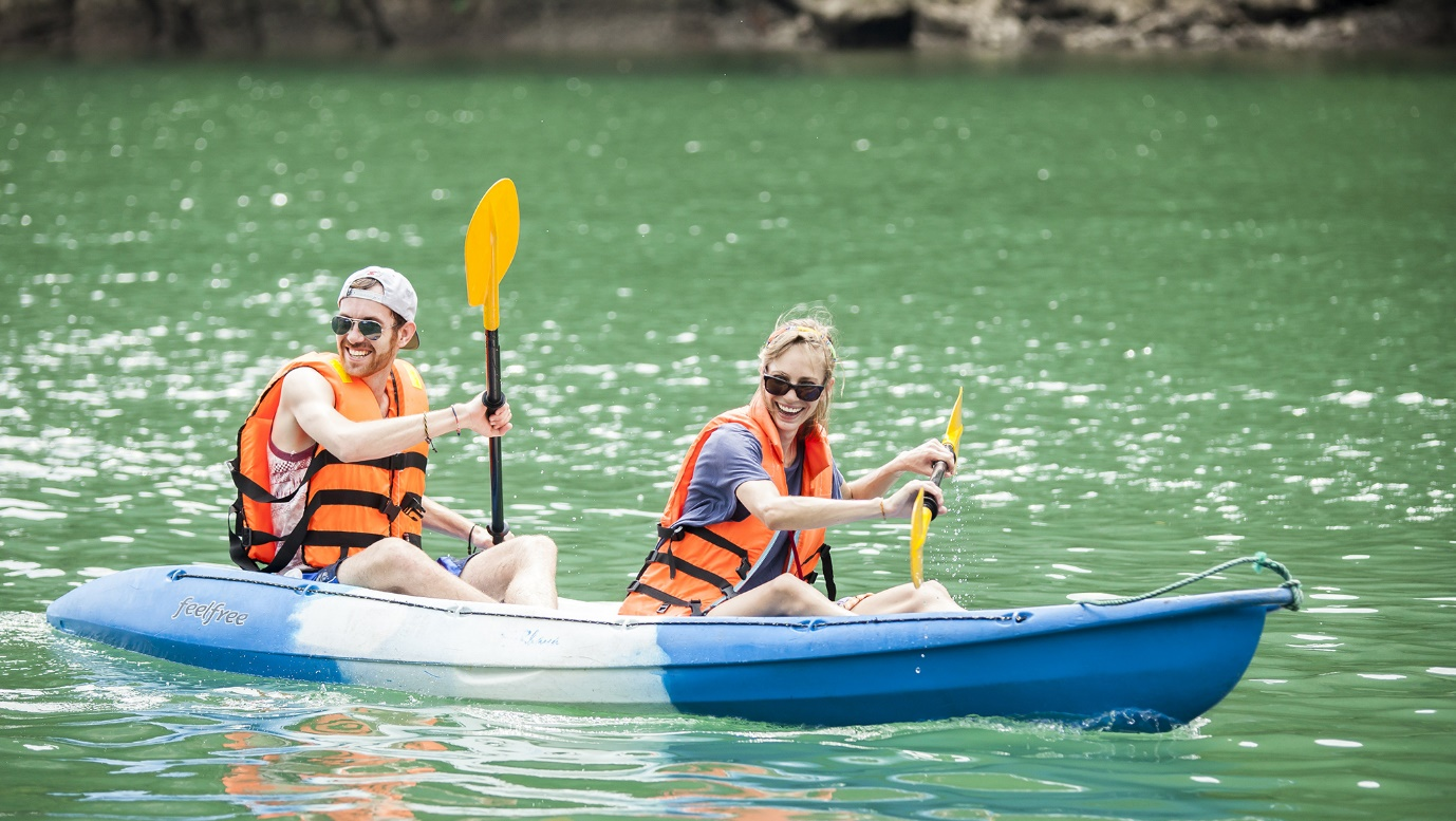 Visitors can hire kayaking boats with reasonable price