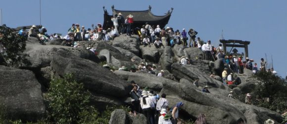 Yen Tu attracts a large number of travelers for sightseeing as well as pilgrimage
