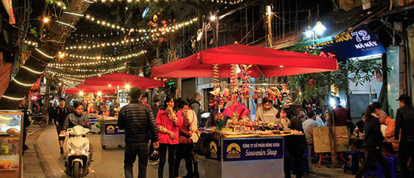 Discover the lively nightlife in Hanoi's night market