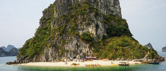 Impressive scenery surrounding Hon Co