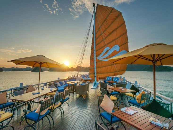 Paradise Luxury Cruise is an ideal choice for you when traveling Tuan Chau