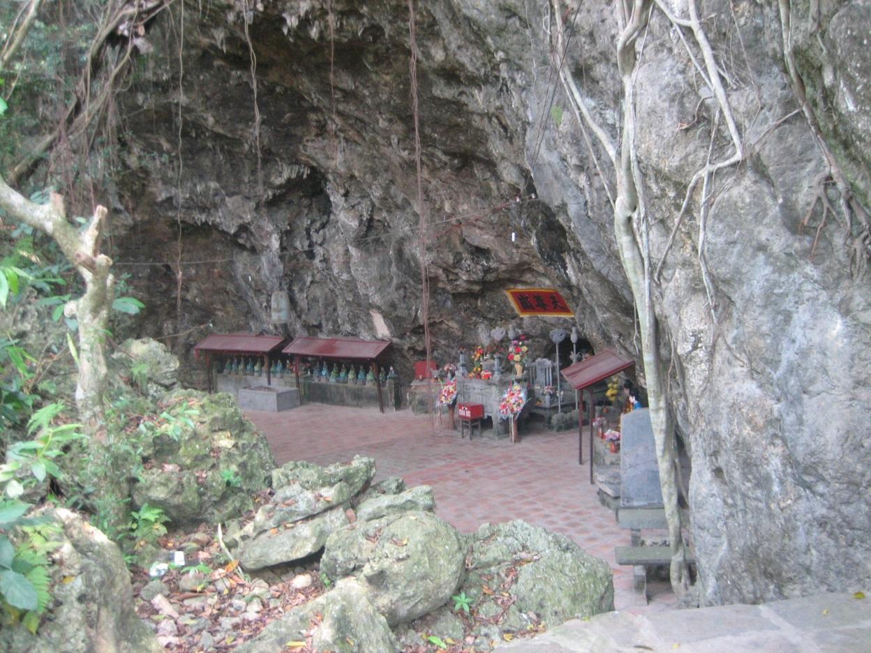 Thien Ton Cave