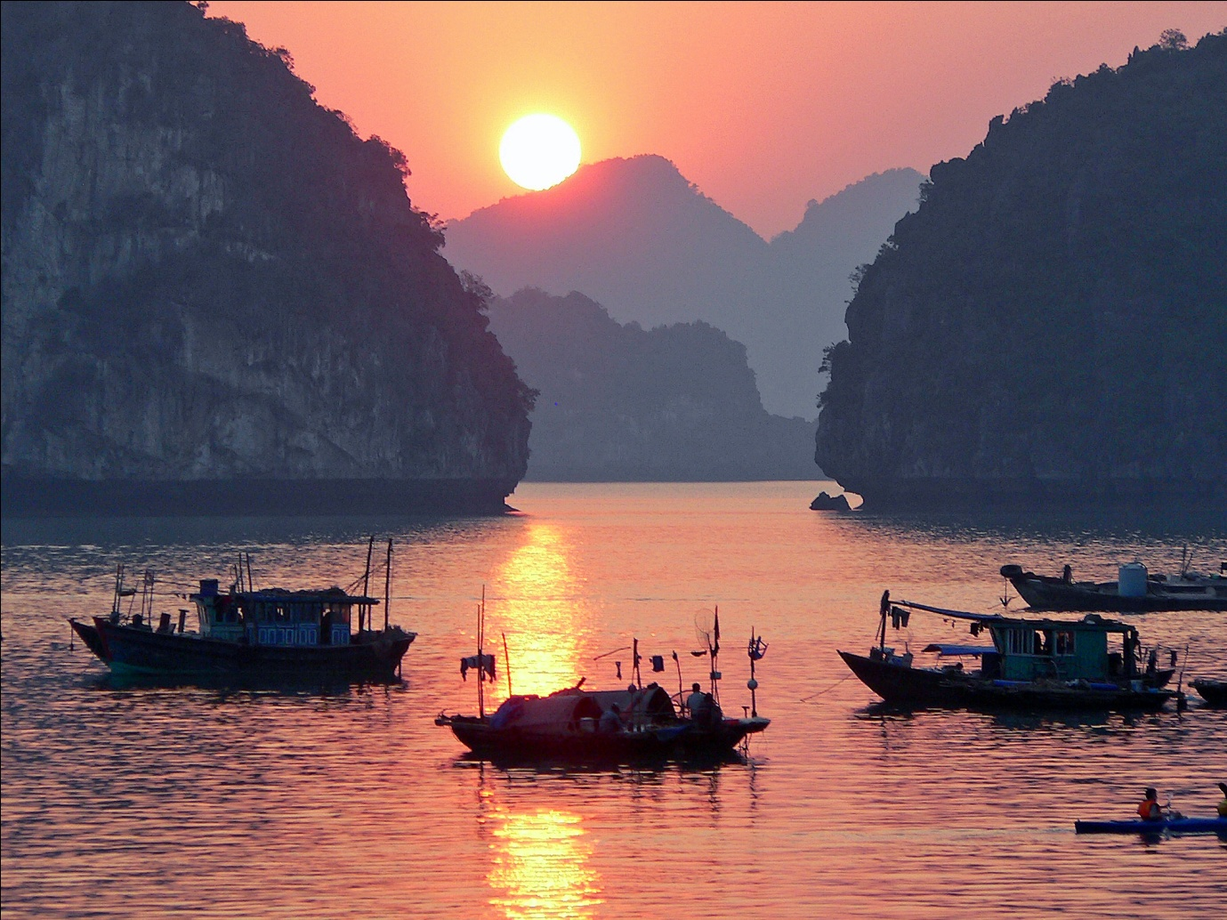 Impressive sunrise on Halong Bay