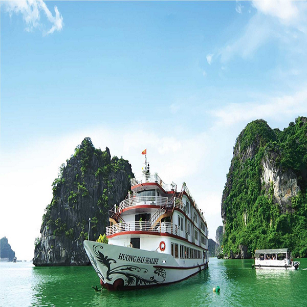 The overview of Huong Hai Sealife cruise with modern and young design style