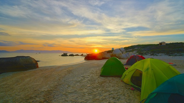 Camping in the evening in Cu Lao Cau