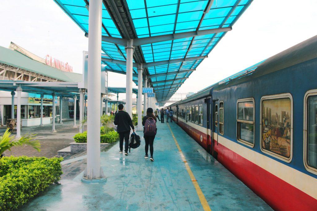 Train from Ninh Binh to Hanoi