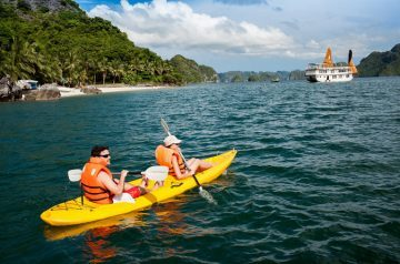 Halong Bay cruise – best ideal for honeymoon couple