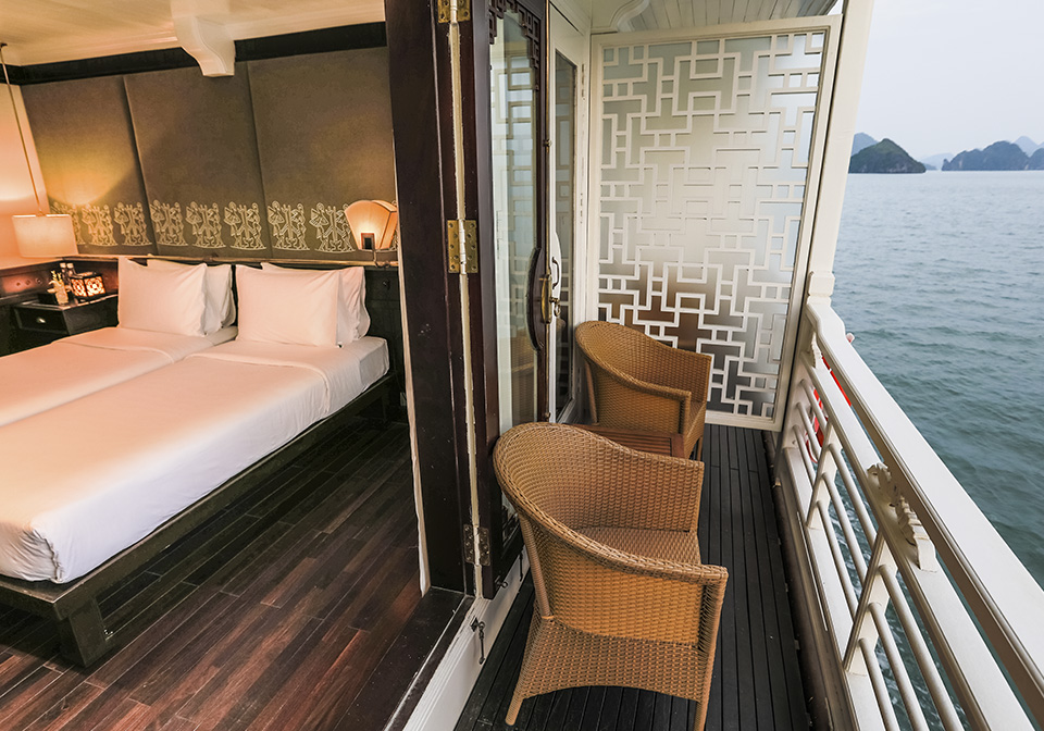 Au Co Cruise Deluxe Executive - Balcony
