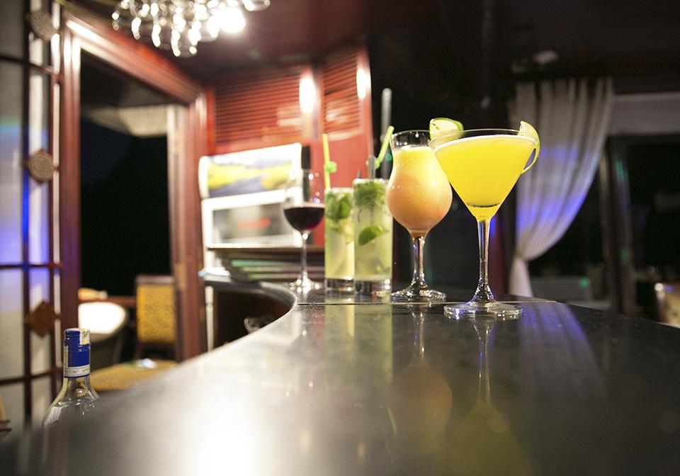 Calypso Cruise Bar 2