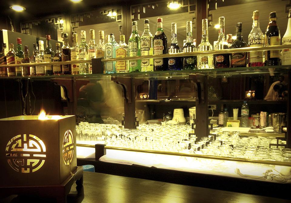 Halong Bay Bhaya Cruise Bar