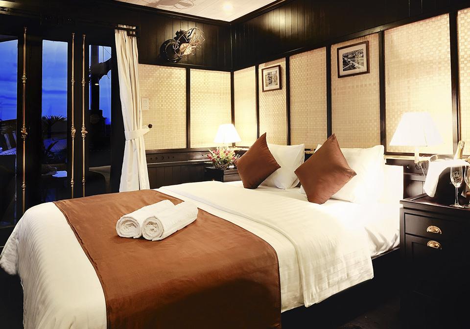 Halong Bay Bhaya Cruise Bedroom 1