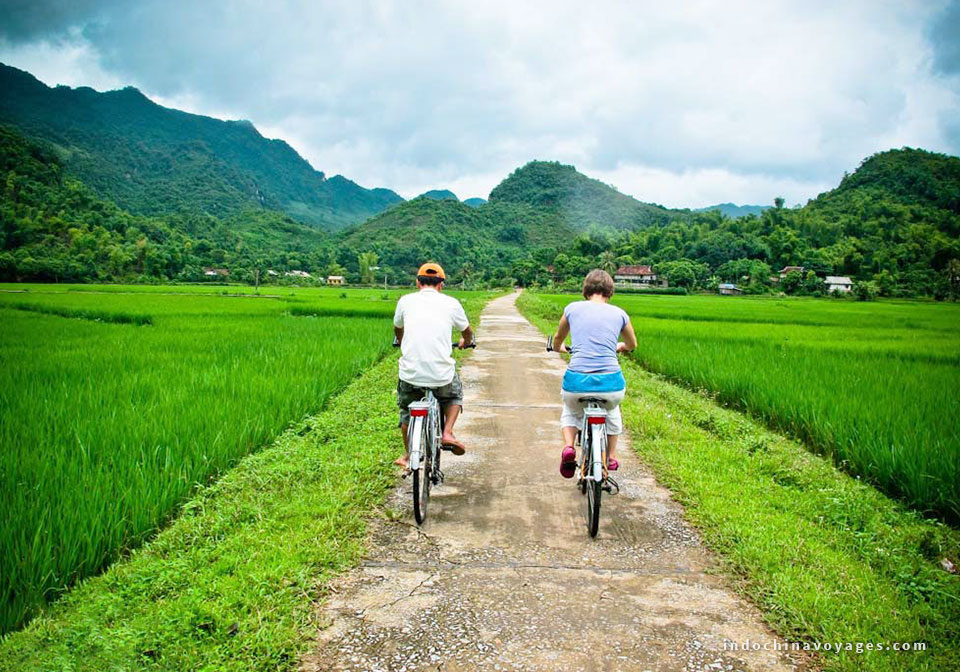 Hanoi – Ha Long – Mai Chau 4 Days Thumnail