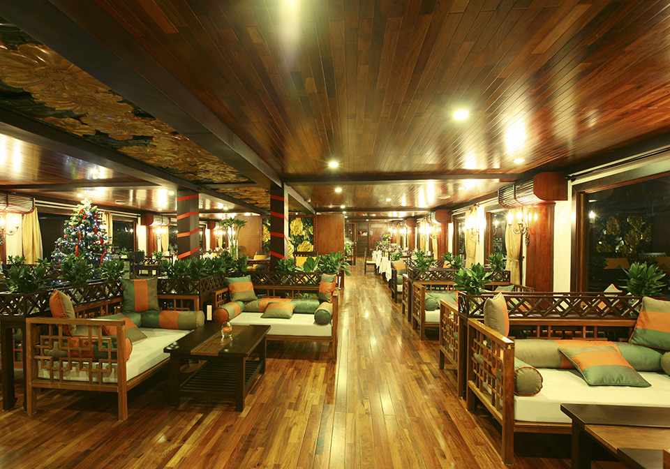 Indochina Sails Premium Lounge 4