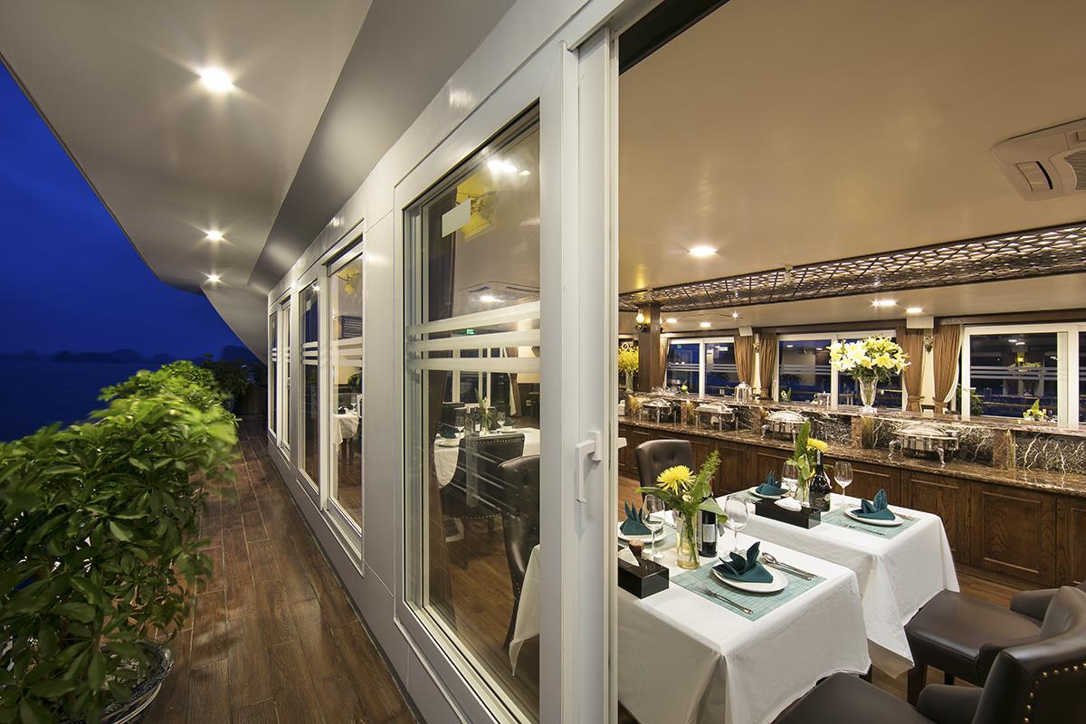 Mon Cheri Cruises restaurant-02 (2)