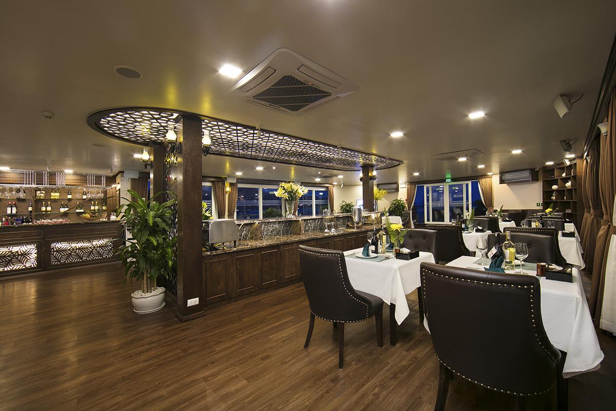 Mon Cheri Cruises restaurant-02
