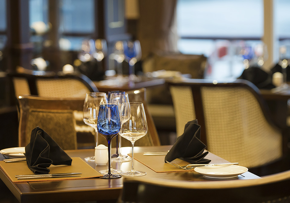 Paradise Elegance Cruise Restaurent 3