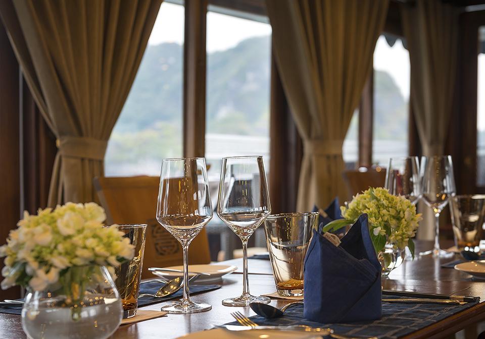 Paradise Peak - Restaurant 01