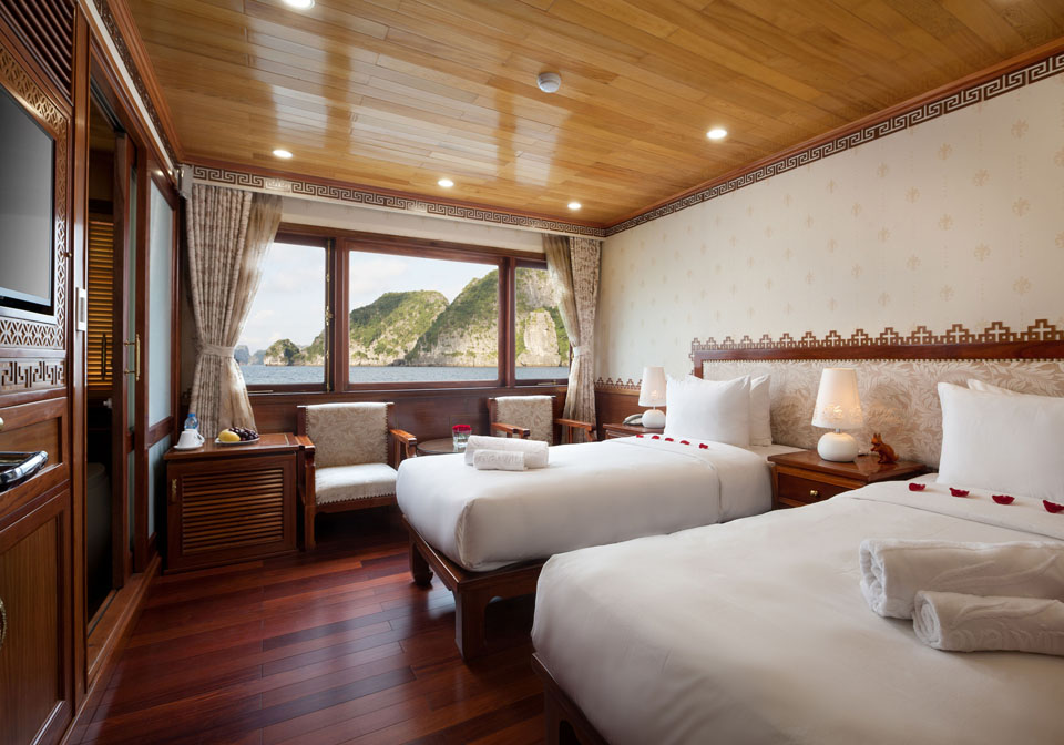 Royal Wings Cruise bedroom