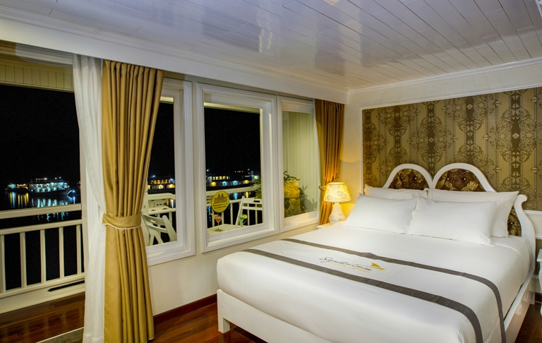 Signature Royal Cruise senior-suite