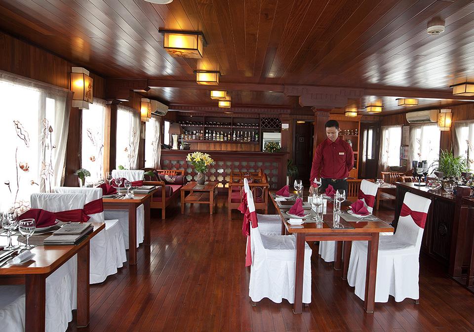 Valentine Cruise Restaurent