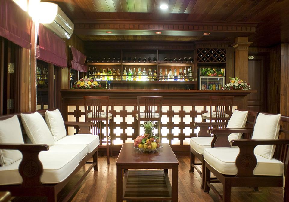 Valentine Premium dining room